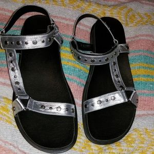 LF leather Metallic Sandals 8M